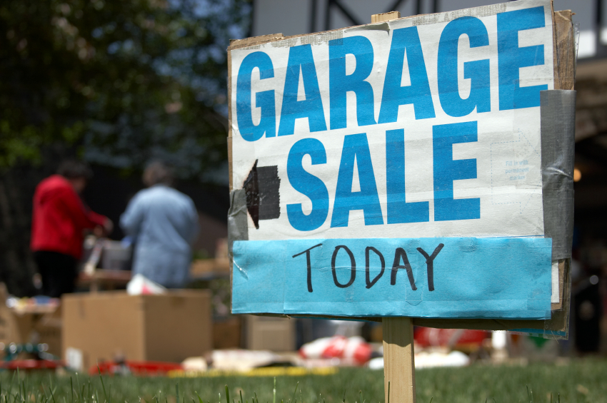 having a garage sale before selling a home